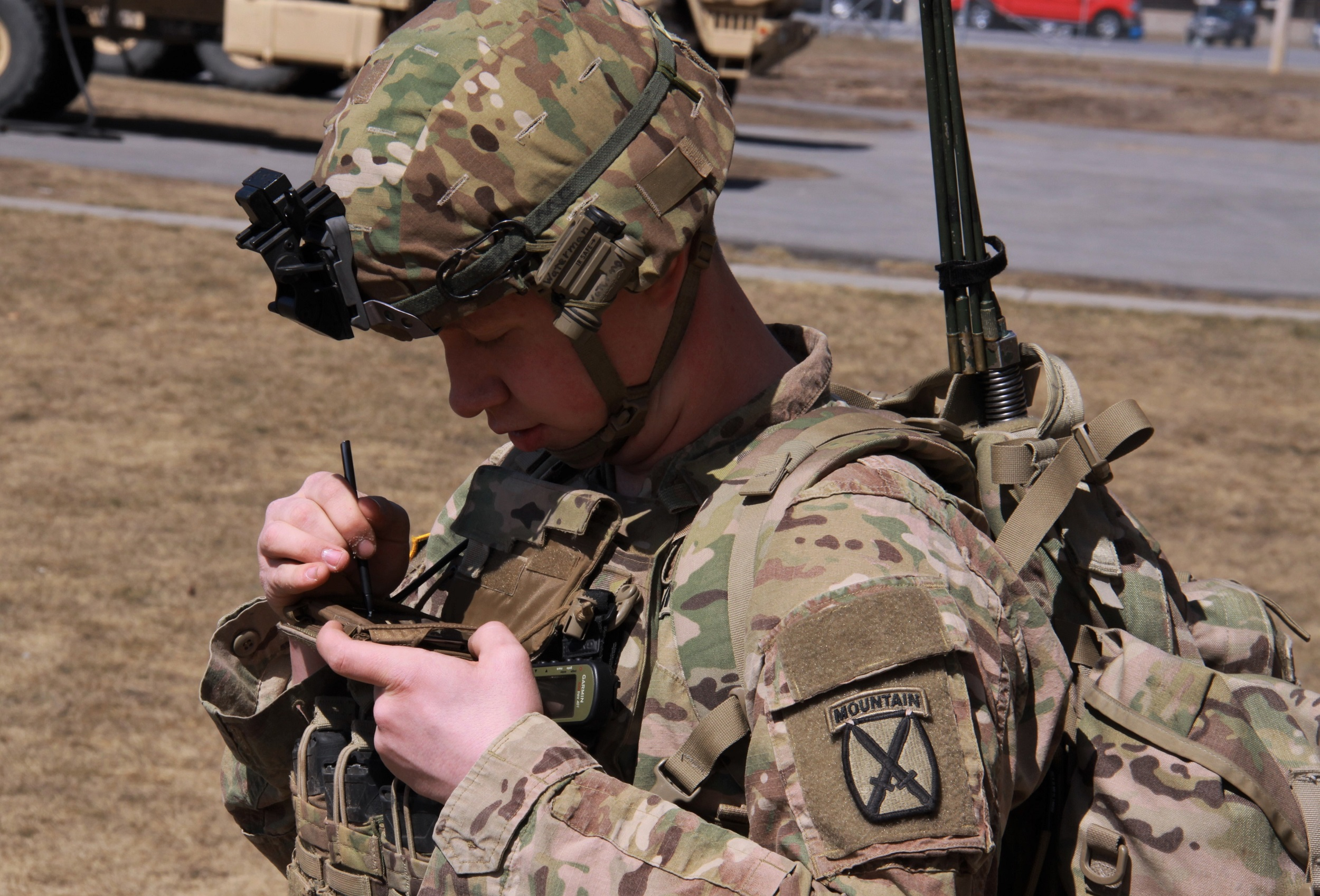 A Soldier tests the Precision Fires-Dismounted application on the Nett Warrior End User Device during fielding at Fort Drum, New York, April 5, 2018. (U.S. Army photo by Dan LaFontaine)