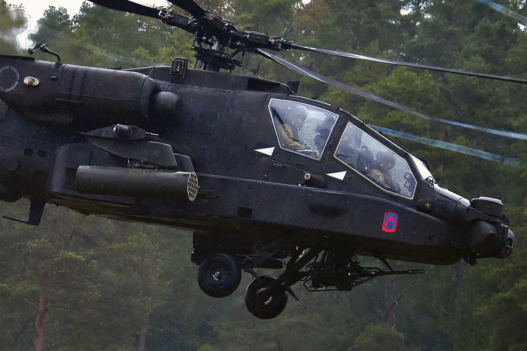 Apache Attack Helicopter AH-64D/E
